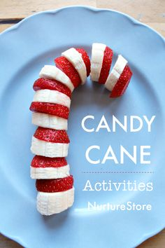 Try this strawberry and banana candy cane snack along with all the candy cane themed activities in our Learning With Candy Canes Unit. Christmas Party Food, Christmas Brunch, Xmas Food, Christmas Breakfast, Christmas Cooking, Christmas Desserts, Holiday Treats, Holiday Recipes, Healthy Christmas Treats