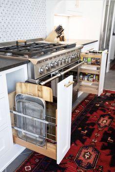 The kitchen that is top-notch white kitchen , modern kitchen , kitchen design ideas! Galley Kitchen Design, Galley Kitchen Remodel, Kitchen Designs, Home Decor Kitchen, New Kitchen, Kitchen Ideas, Kitchen Modern, Kitchen Hacks, Cheap Kitchen