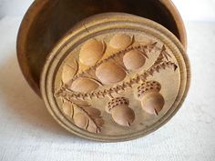 butter mold with acorns