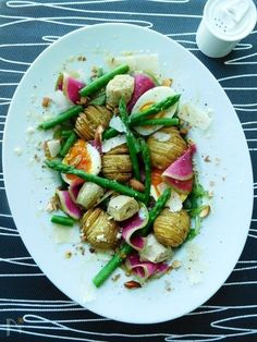Vegetarian Meal Prep, Vegetarian Recipes, Italian Food Restaurant, Lunches And Dinners, Meals, Sushi, Culinary Arts, Japanese Food, Food Styling