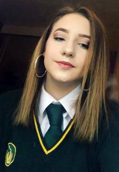 Selfie In School Uniform With Green Tie School Blazer, School Uniform Outfits, School Uniforms, Geek Chic Outfits, Girl Outfits, Women Ties, Suits For Women, School Girl Dress, Girls School