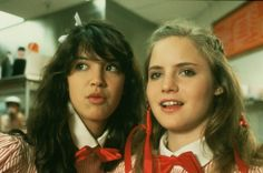 Phoebe Cates and Jennifer Jason Leigh in Fast Times at Ridgemont High Movie List, Movie Tv, Linda Barrett, Phoebe Cates, Film Logo, Fast Times, Nylons And Pantyhose, Girl Inspiration, Girl Crushes