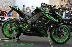 Kawasaki Z1000. Drool.
