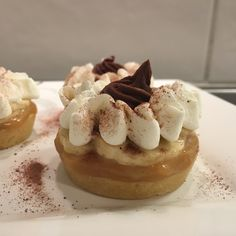 Pinky Cake, Banoffee #banoffee #banane #toffee #confituredelait #dulcedeleche #pinkycake Banoffee, Cheesecake, Tasty, Cakes, Desserts, Dulce De Leche, Recipes, Tailgate Desserts, Deserts