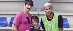 Filha de vocalista do Red Hot Chili Peppers visita Neymar (Divulgação)