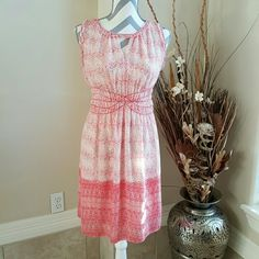 Max Studio Dress Sz small Super cute Maxi studio Dress in size Small. It has a scrunched waist and is lined. Red and white print. Max Studio Dresses