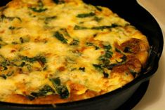 Spring Onion and Capsicum Frittata A delicious Italian egg dish similar to an Omelette. Italian Eggs, Frittata Recipes, Egg Dish, Non Stick Pan, Appetisers, Omelette, International Recipes, Indian Food Recipes, Appetizer Recipes
