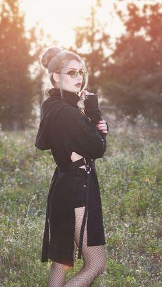 Nu Goth Fashion, Cyberpunk Fashion, Dark Fashion, Grunge Fashion, Fashion Models, Hot Goth Girls, Gothic Girls, Witch Dress, Goth Look