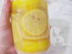 Limon suyunuzu kendiniz yapın, 1 yıllık limon suyunuzu 20 dakikada yapabilirsiniz tarifi malzemeleri ev yapımı limon suyu Frappe, Cooking Tips, Cooking Recipes, Anne, Fruit Juice, Fermented Foods, Food Preparation, Sorbet, Cantaloupe