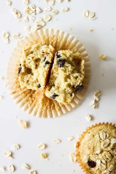 Oatmeal chocolate chip muffins are light, fluffy, and delicious! Whip up a batch of these oat flour muffins and have healthy snacks all week. Chocolate Chip Muffins, Chocolate Chip Oatmeal, Healthy Muffin Recipes, Healthy Snacks, Oat Flour Muffins, Ice Cream Scooper, Paleo, Gluten, Chips