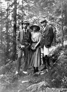 Rainer Maria Rilke with the painter Baladine Klossowska and her son Balthus, 1922
