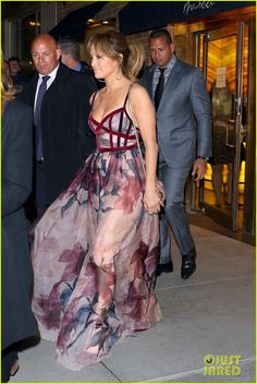 Jennifer Lopez & Alex Rodriguez Have a Fancy Dinner Date! | jennifer lopez alex rodriguez sunday night dinner date 02 - Photo