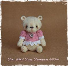 """OOAK, Miniature, 2"""" high, Amigurumi, Thread Artist Bear ~ Parfait"""
