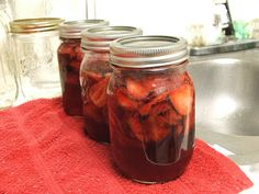 Canning Granny: Canning Strawberries in Syrup