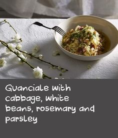 A classic combination, this is a handy little recipe as it has the heartiness of white beans, yet the zest and the bite of the cabbage freshen it up nicely as a spring dish. A very good side dish but also good for breakfast with an egg. Delicious Breakfast Recipes, Yummy Food, String Bean Recipes, Best Egg Recipes, Onion Chicken, Best Side Dishes, Breakfast Dishes, White Beans, Parsley