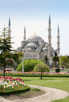 """Sultan Ahmet mosque or the Blue Mosque, Istanbul Turkey. The name """"Blue Mosque"""" is mainly international because of the many blue tiles from the town of İznik that can be seen on the inside of the mosque. – Meral – Join the world of pin Blue Mosque Istanbul, Istanbul City, Istanbul Travel, Hagia Sophia, Places Around The World, Travel Around The World, Blue Mosque Turkey, Wonderful Places, Beautiful Places"""