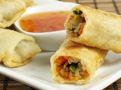 How to make Vegetable Spring Rolls for Kids. Easy and simple Vegetable Spring Rolls for Kids Recipe. A sure-shot way to make sure your kids have their vegetables, these spring rolls make excellent snacks for the tiffin box as well. Week Of Healthy Meals, Healthy Recipes, Eat Healthy, Snacks Recipes, Simple Recipes, Easy Snacks, Healthy Snacks, Vegetarian Egg Rolls, Veggie Rolls