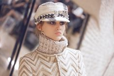 The latest fashion shows, ready-to-wear & accessories collections and Haute Couture on the CHANEL official website Winter Hats, Fall Winter, Autumn, Chanel Official, Dress Hats, Elegant Outfit, Karl Lagerfeld, Couture Fashion, Street Fashion