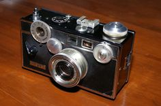 https://flic.kr/p/FBSDjS | My Brick | Hello all !!!! I just bought this beautiful Argus C-3 35mm and I'm pumped! back to basics some more. Quite a history of American life was shot with these and many ww2 photographers used these. Check out the magnificent work of Tony Vaccaro. He was a soldier that landed in Normandy and on the front lines proceeded to take some  8,000 pictures until arriving in Berlin and after. Pics of Sophia Loren and MarilynMonroe ,yep. quite a neat history.