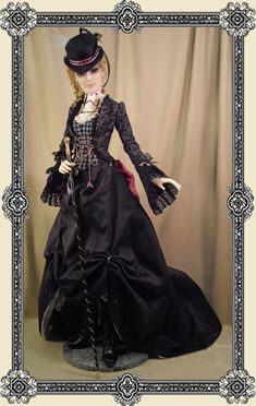 Calinda - Gothic Victorian ........... Crawford Manor - Custom made Dolls