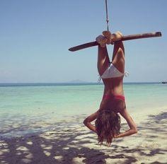 Summer time shared by ʀᴀɪɴʏ on We Heart It Summer Feeling, Summer Of Love, Summer Beach, Summer Vibes, Foto Fun, Yoga, Beach Bum, Girl Beach, Beach Swing