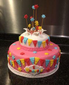 Festive explosion birthdaycake for a little girl. Nice and colorful. Feestelijke explosie taart voor een kleine meid. Mooi kleurrijk.
