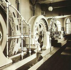 Brattforsens maskinhall 1909. Brattforsens kraftverk byggdes mellan 1902-1903. The #machine room at Brattforsens #hydroplant. The plant was built between 1902-1903.