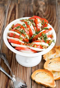 The BEST caprese salad and it happens to look so pretty too!!