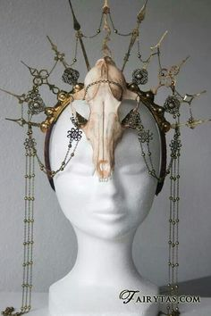 Skull headdress by Fairytas