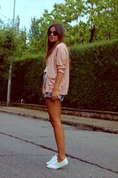 Streetstyle: sweet colors for summer. #fashionblogger