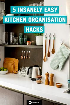 Learn how to organise your kitchen with our collection of easy kitchen organisation tips, hacks and ideas! Includes easy ways to de-clutter your kitchen worktops. Tidy Kitchen, Decorating Tips, Kitchen Organisation, Home Organisation Tips, Kitchen Organisation Hacks, Easy Home Organization, Declutter Kitchen, Organisation Hacks, Shop Organisation