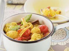 Curry mit Blumenkohl ist ein Rezept mit frischen Zutaten aus der Kategorie Blütengemüse. Probieren Sie dieses und weitere Rezepte von EAT SMARTER!