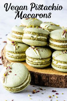 These are my Vegan Pistachio Macarons, made using the French method, filled with Vegan Pistachio Buttercream. Using pistachio flour in the shells. Unique Desserts, Easy Desserts, Delicious Desserts, Healthier Desserts, Yummy Food, Vegan Macarons, Pistachio Macarons, Macaron Cake, Macaron Cookies