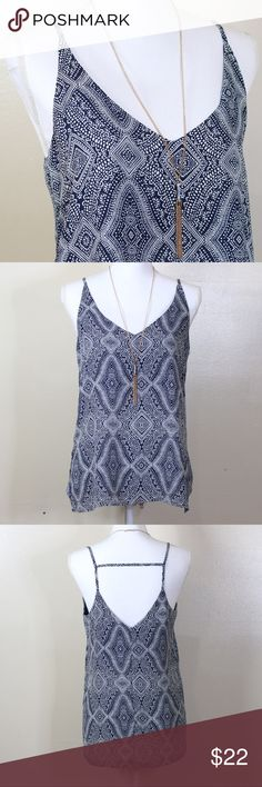 Beautiful H&M Tank Top Romantic H&M Tank Top. Looks amazing with Jeans. Size US 8. Materials listed in the last picture. Ask me any questions you may have before buying. Offers welcome through the offer button. 💕 H&M Tops Tank Tops