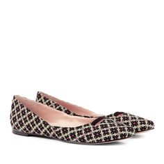 Pointed toe flat @Pascale De Groof