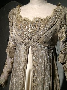Ever After Costume by Denise Marie of Soba Designs, via Flickr