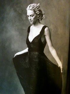 Uma Thurman -  Annie Leibovitz, New York city 2003