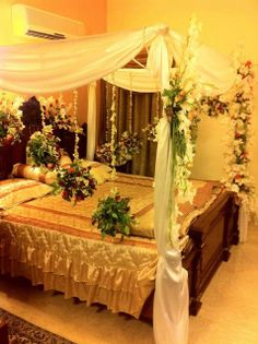 1000 images about weddings on pinterest pakistani for Marriage bed decoration photos