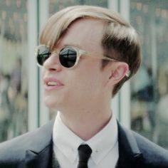 Harry Osborn, Round Sunglasses, Mens Sunglasses, Ray Bans, Style, Fashion, Swag, Moda, Round Frame Sunglasses