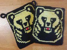 NereCraft: Karhupatalaput Crochet Chart, Knit Crochet, Crochet Potholders, Hobbies And Crafts, Pot Holders, Christmas Sweaters, Knitting Patterns, Hello Kitty, Cross Stitch
