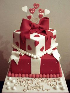 Very traditional cake. Decorated with fondant foam and ceramic figurine. Big Cakes, Cute Cakes, Wedding Cakes With Cupcakes, Cupcake Cakes, Butterfly Wedding Cake, Heart Shaped Cakes, Wilton Cake Decorating, Valentine Cake, Traditional Cakes