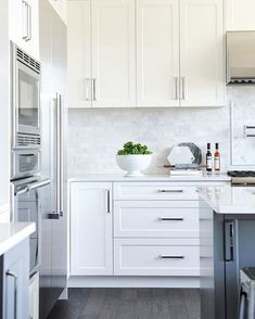 DKBC Modern White Shaker Kitchen Cabinets * New . Toronto And Thornhill Custom Modern Kitchen Design. Home and Family Kitchen Cabinets And Backsplash, Minimalist Kitchen Cabinets, White Shaker Kitchen Cabinets, Kitchen Cabinet Remodel, Kitchen Cabinet Design, Backsplash Ideas, Backsplash Design, Kitchen Hardware, Shaker Style Cabinets