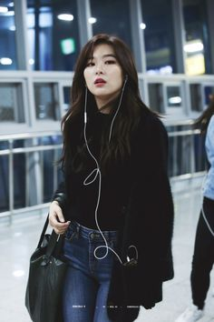 Fashion Tips Outfits .Fashion Tips Outfits Irene Red Velvet, Red Velvet Seulgi, Kpop Fashion, Korean Fashion, Fashion Outfits, Fashion Tips, Airport Fashion Kpop, Classy Fashion, Asian Woman