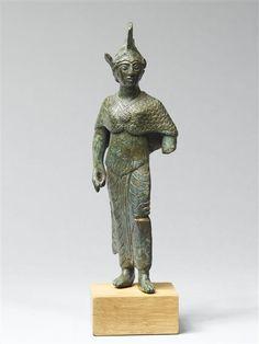 Statuetta votiva rappresentante la dea Menerva (Athéna). Seconda metà del V secolo a.C. da Vulci
