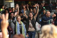 Here's How The Refugees Were Welcomed When They Reached Germany And Austria - This is how we take care of eachother!