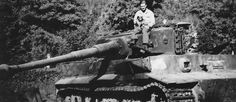 Late Tiger I of schwere Panzer Abteilung 504 number 334 Italy (Zimmerit and steel road wheels)