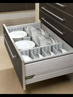 22 Space Saving Storage and Orga- nization Ideas for Small Kitchens Redesign kitchen organization ideas and modern kitchen design - Own Kitchen Pantry Kitchen Decor, Kitchen Redesign, Kitchen Inspirations, Kitchen Drawer Organizers, Kitchen Drawers, Modern Kitchen, Cool Kitchens, Kitchen Cabinet Drawers, Kitchen Drawer Storage