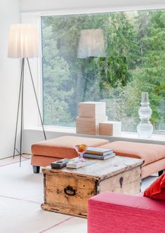 Villa Blåbär by pS Arkitektur / Marvelous Black Exterior Paint with Bright White Interior - Hupehome Interior Exterior, Exterior Paint, Interior Design, Design Interiors, Villa, Dream Home Design, House Design, Sweden House, Modern Lake House