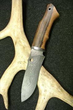 damask steel hunters knife