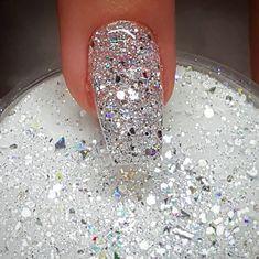 new years nails dip powder & new years nails ; new years nails acrylic ; new years nails gel ; new years nails glitter ; new years nails dip powder ; new years nails design ; new years nails short ; new years nails coffin New Year's Nails, Diy Nails, Acrylic Dip Nails, White Acrylic Nails With Glitter, White Sparkle Nails, Glittery Nails, Glitter Eye, Nail Dipping Powder Colors, New Years Nail Designs